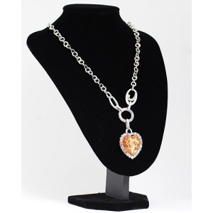 Halskette mit Anhänger Heart